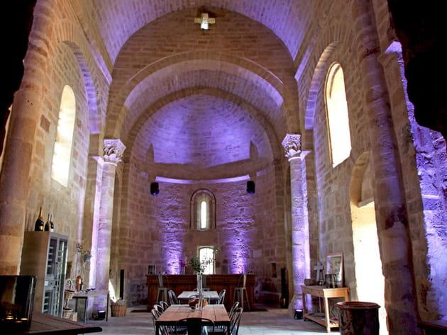 Une ancienne chapelle en pierre