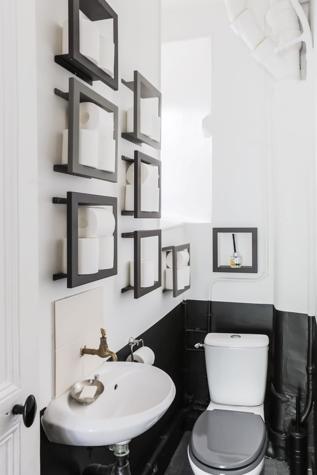 toilettes bicolore. Black Bedroom Furniture Sets. Home Design Ideas