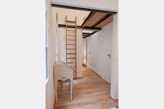 am nager un coin bureau. Black Bedroom Furniture Sets. Home Design Ideas