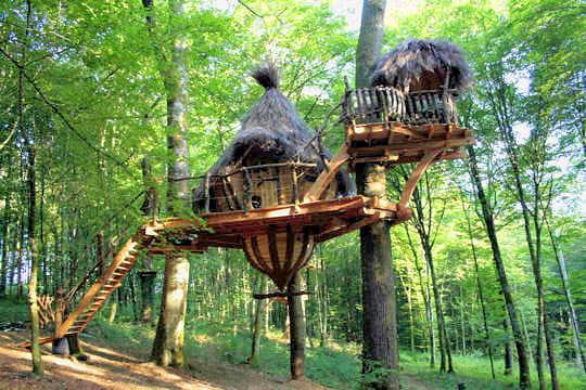 Petite hutte suspendue