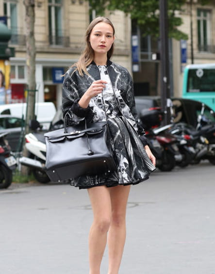 Street looks fashion week haute couture : sporty-chic