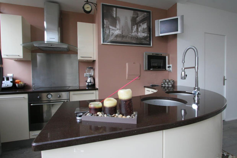cuisine rose p le et marron. Black Bedroom Furniture Sets. Home Design Ideas