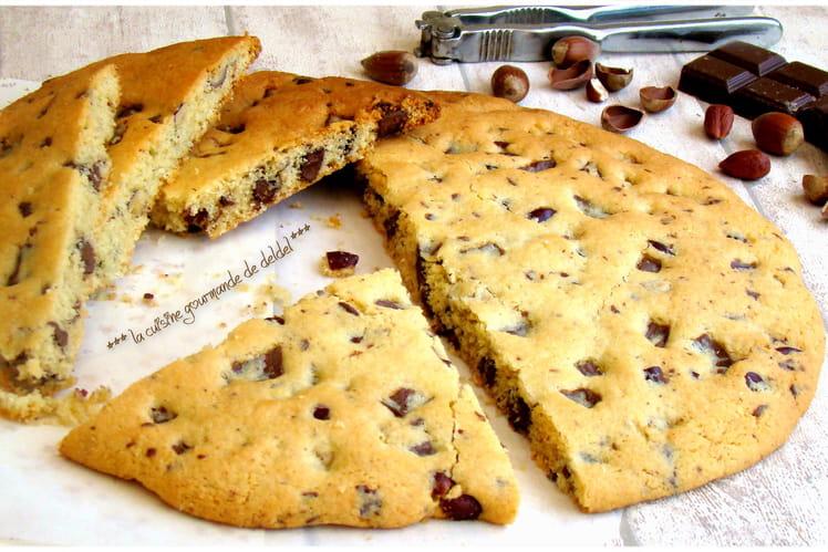 Cookie géant chocolat noisettes