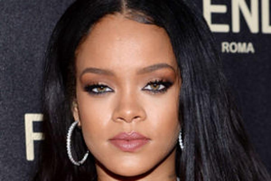 Rihanna sort une collection de tatouages éphémères