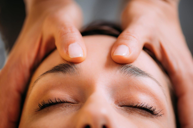 Réflexologie de la tête: bienfaits, carte, points, schéma