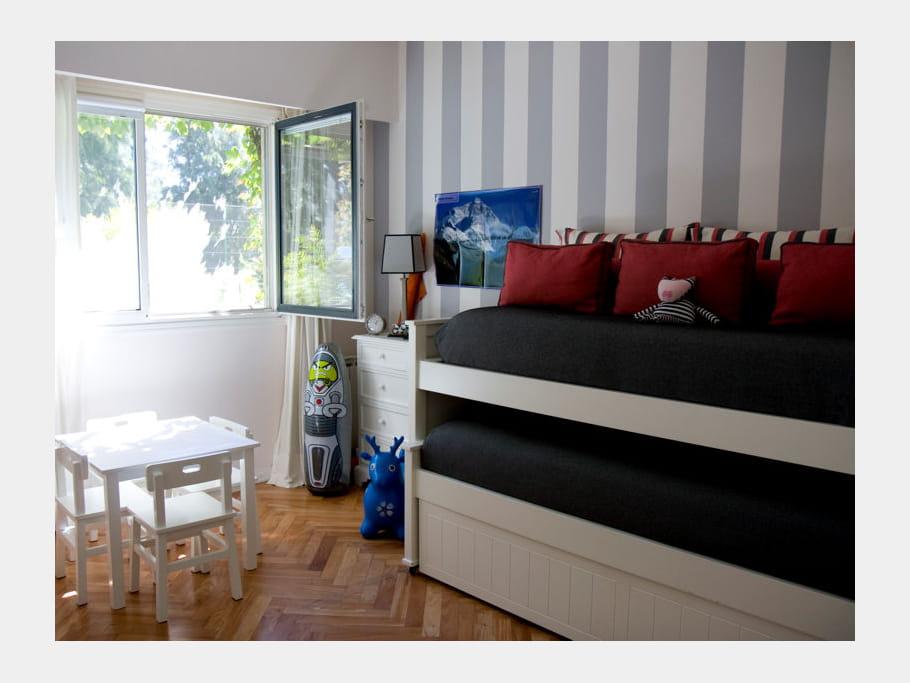optimisation de l 39 espace chambre d 39 enfants esprit dortoir pour ma tribu journal des femmes. Black Bedroom Furniture Sets. Home Design Ideas