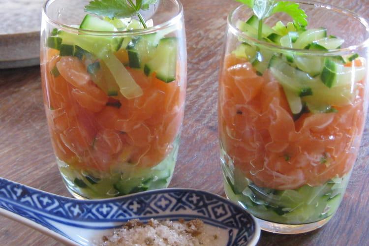 Verrines de tartare de saumon au concombre