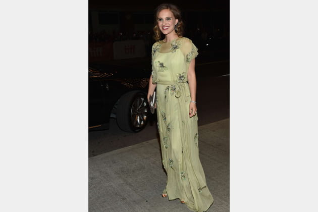Une robe vert amande