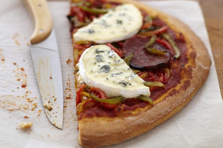 recette de pizza pepp roni au bresse bleu la recette facile. Black Bedroom Furniture Sets. Home Design Ideas