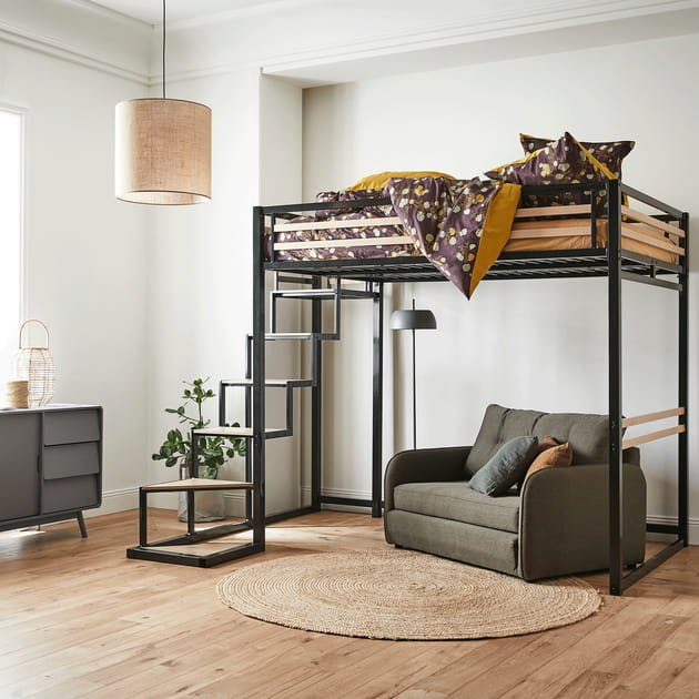 Un lit mezzanine au look industriel