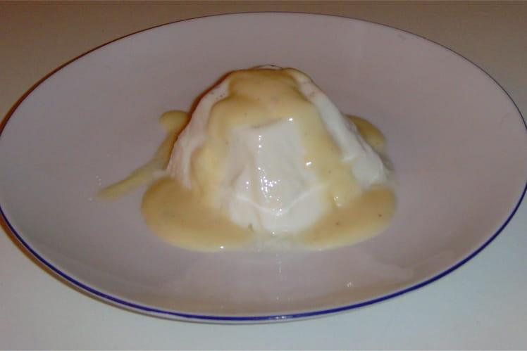 Panna cotta au miel et son coulis au caramel