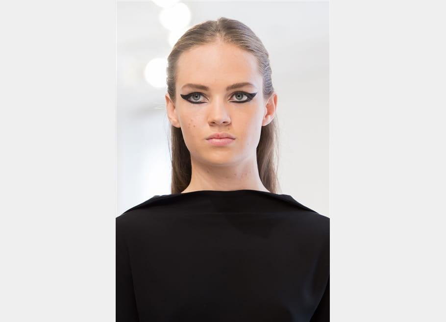 Christian Dior (Close Up) - photo 18