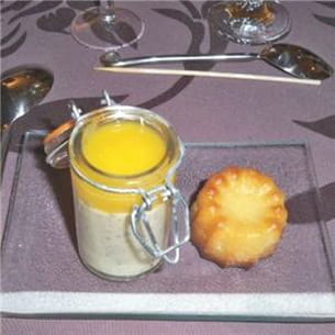 mousse de fruits de la passion et coulis de mangue