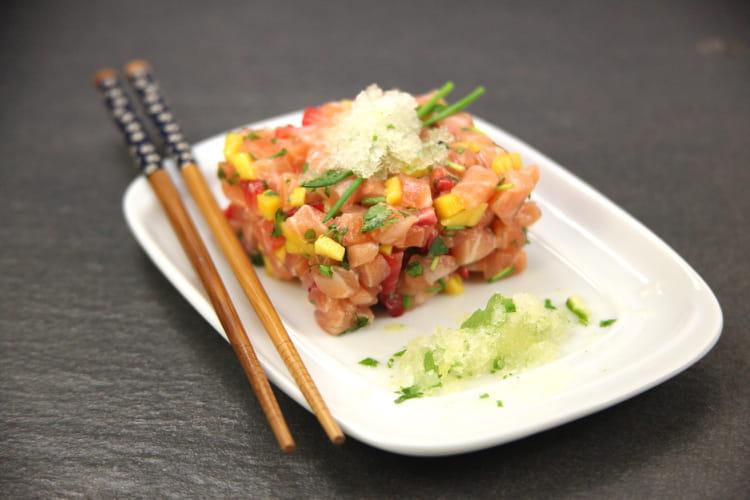 Tartare de saumon aux agrumes et granité de yuzu