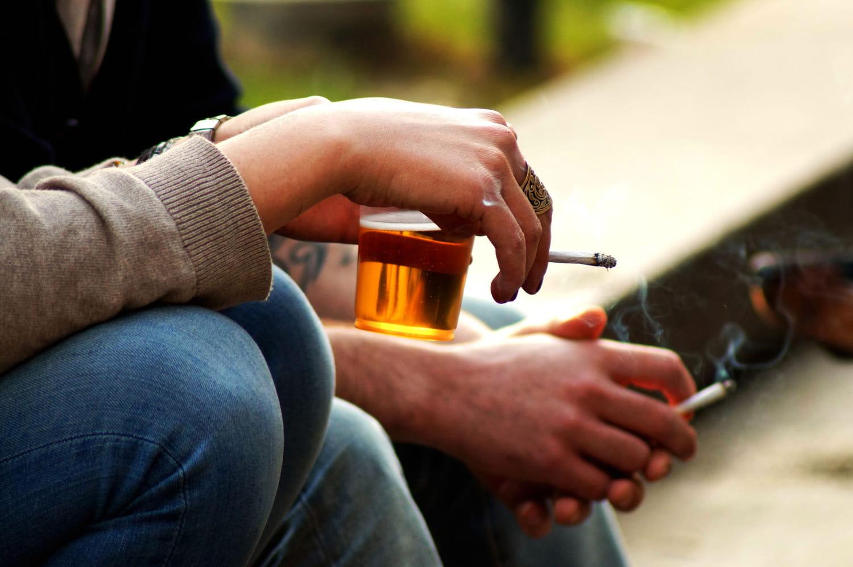 La France est-elle trop souple sur le tabac et l'alcool?