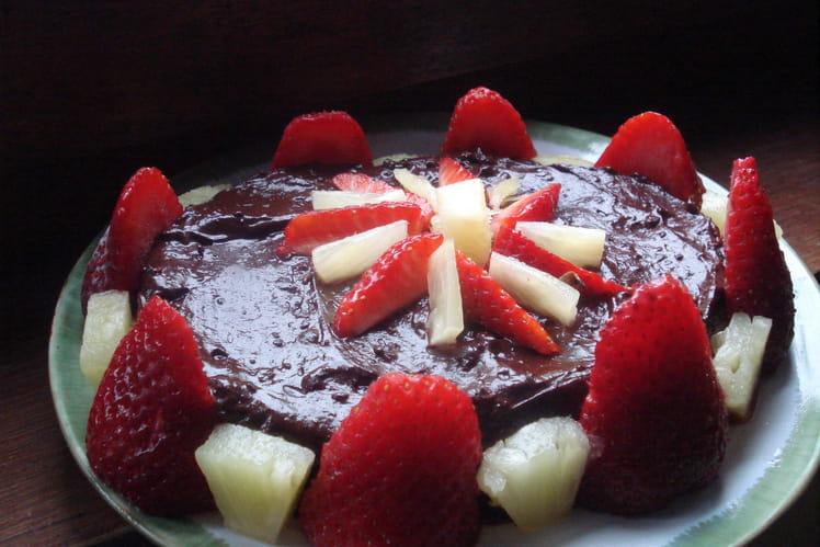 Gâteau pascal au lait de brebis, fruits et chocolat