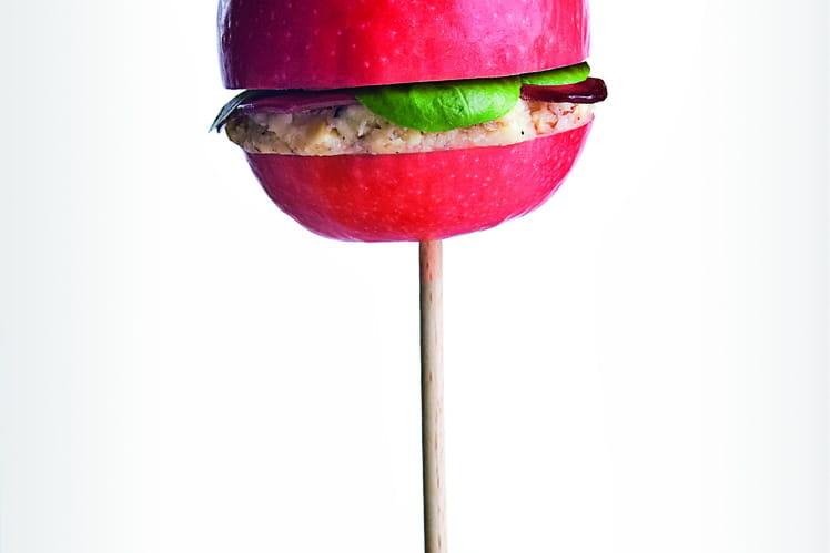 Burger de pomme au magret, brie et noix
