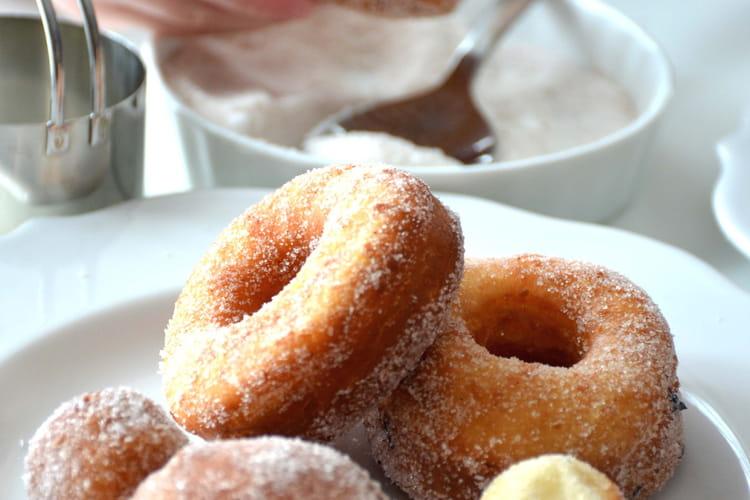 Donuts à la cannelle