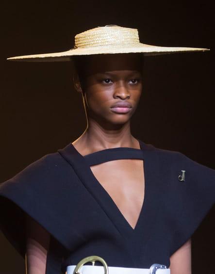 Le chapeau canotier du défilé Jacquemus