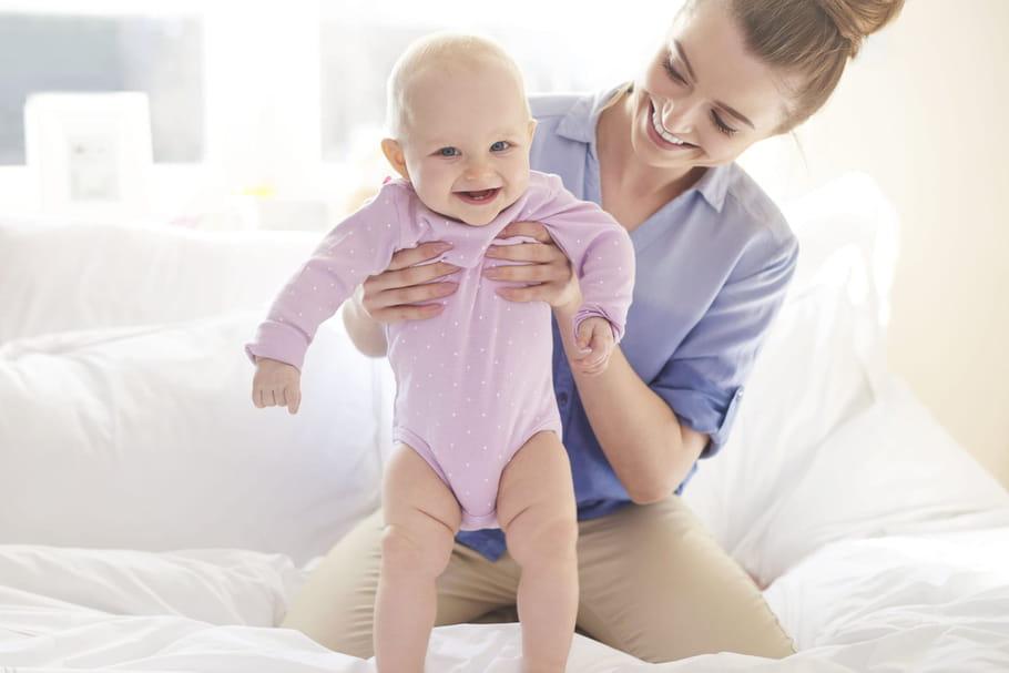 A quel âge bébé marche-t-il?