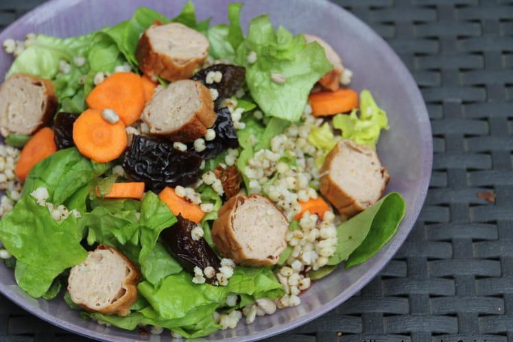 Salade au Sorgho et saucisses végétales
