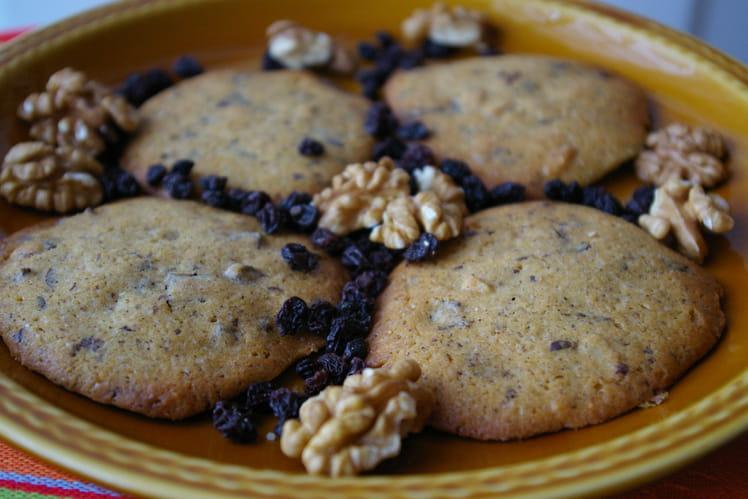 Petits gâteaux aux noix et chocolat