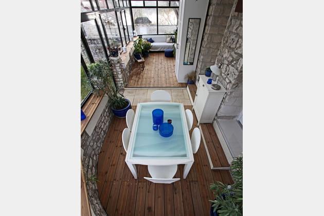 un agr able jardin d 39 hiver. Black Bedroom Furniture Sets. Home Design Ideas