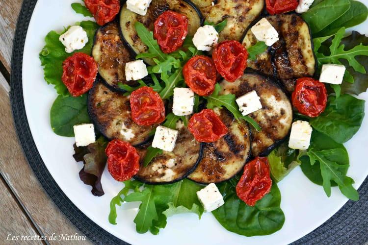 Recette de salade d 39 aubergines grill es au balsamique tomates confites et feta la recette facile - Recette aubergine grillee ...