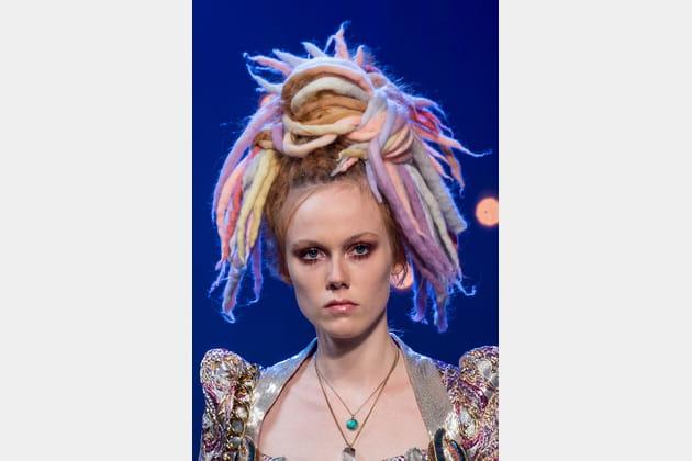 Les dreadlocks arc-en-ciel du défilé Marc Jacobs