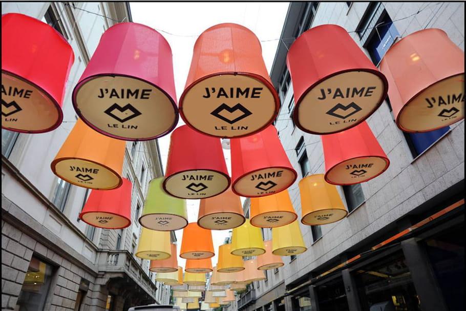 Le lin s'expose dans les rues de Paris