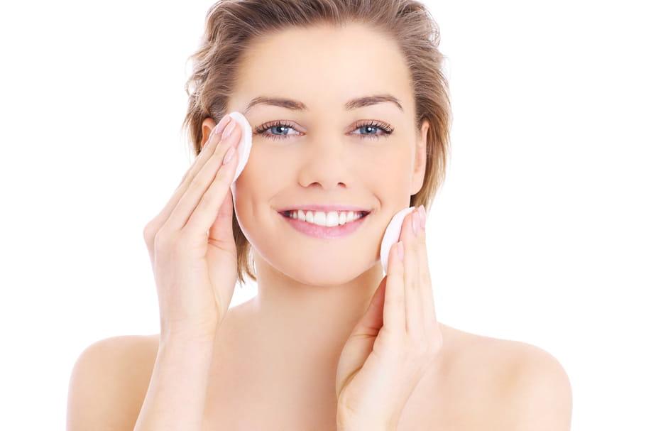 Démaquillage: conseils et produits pour une peau nette