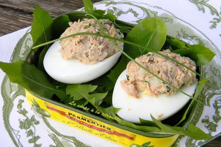 Comment enlever la coquille d'un œuf dur?