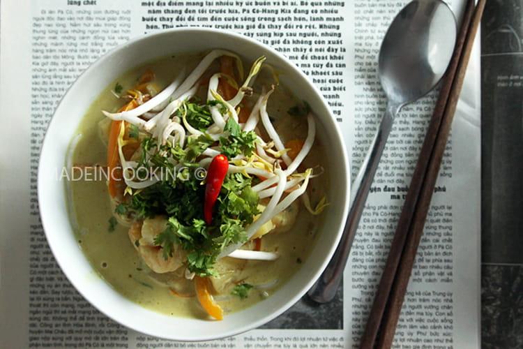 Soupe coco aux crevettes façon thaï