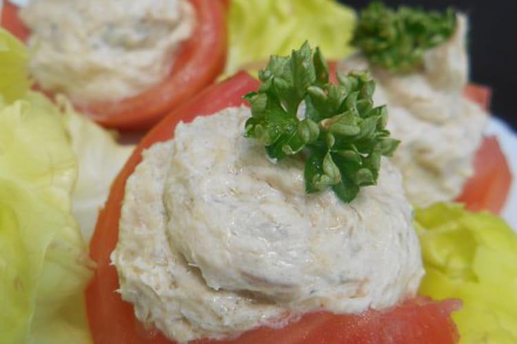 Tomates farcies aux maquereaux et fromage frais