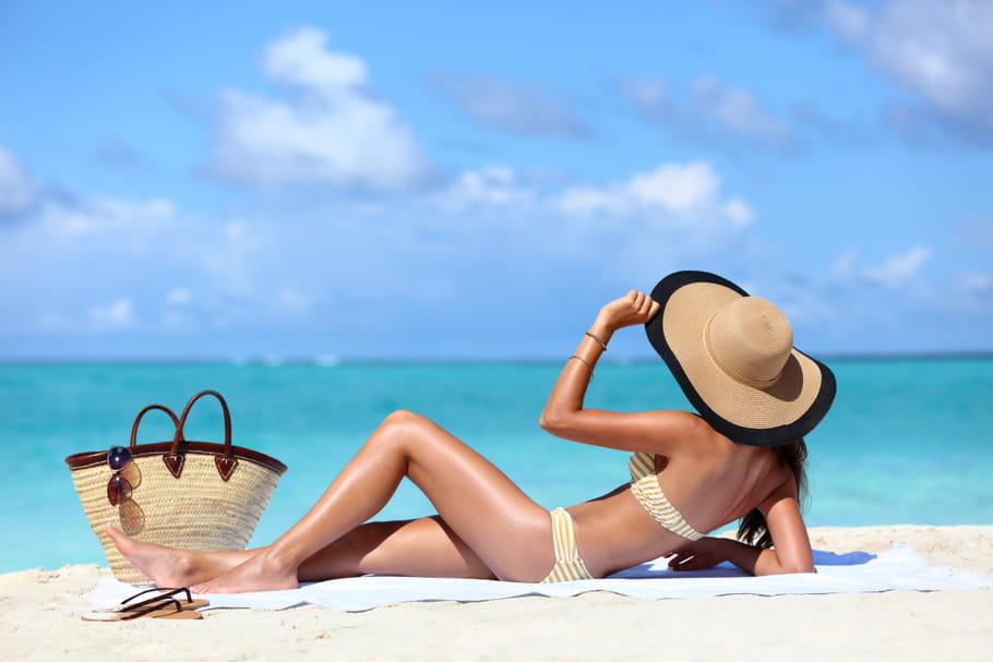 Les positions pour paraître plus mince sur la plage