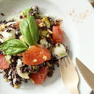 salade de riz vénéré au pamplemousse et à l'avocat