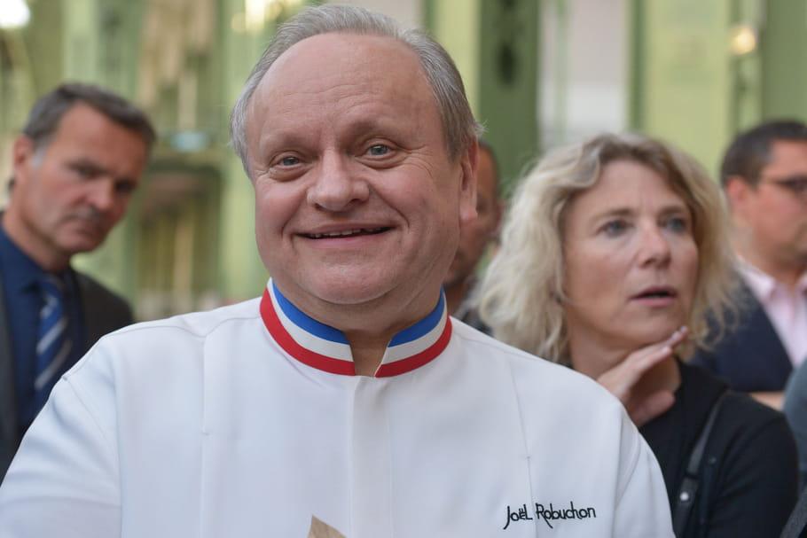 Joël Robuchon, cuisinier légendaire aux 32étoiles