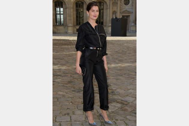 Laetitia Casta en combinaison noire de Dior