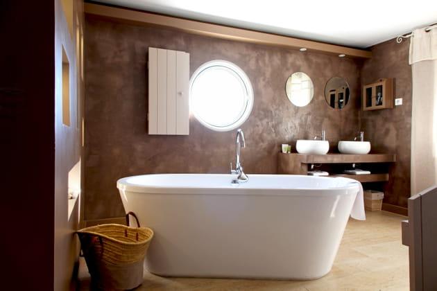 Salle de bains chocolat