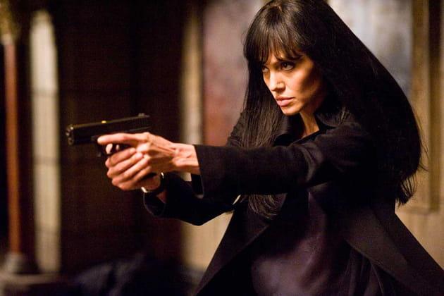Un stand de tir pour Angelina Jolie