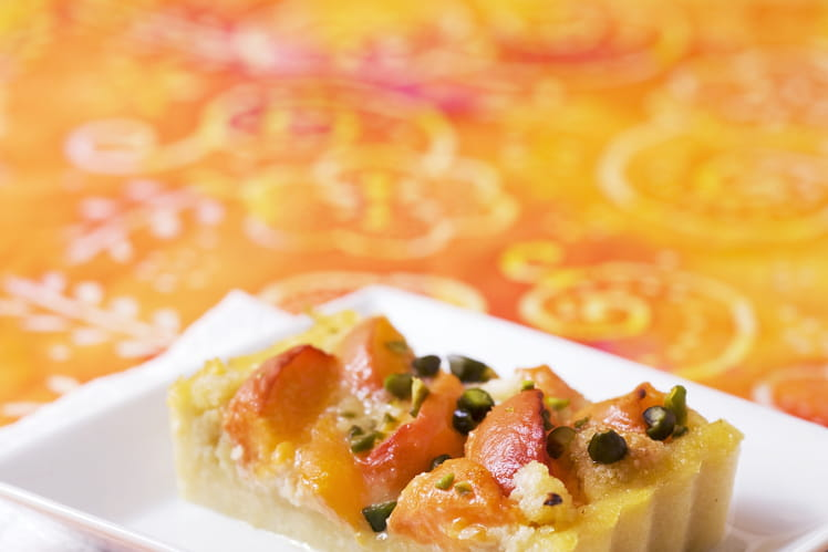 Tarte de polenta aux abricots et au miel