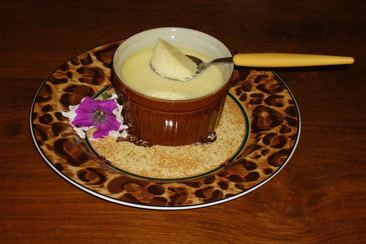 Crème à la noix de coco et chocolat blanc