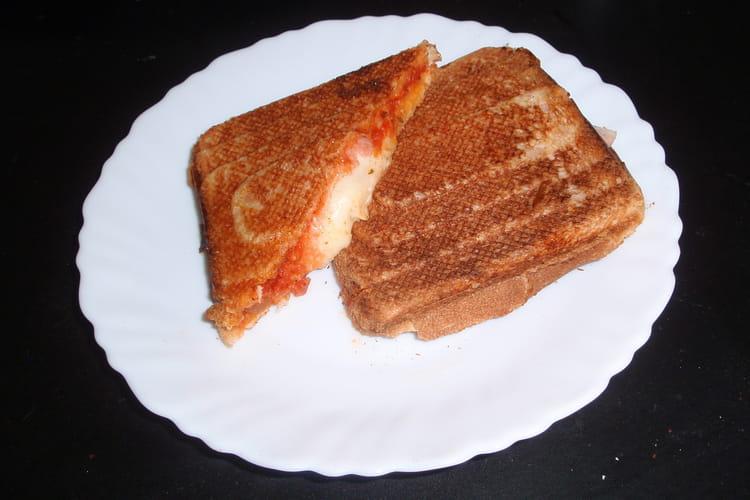 Croque-monsieur tomate-mozzarella