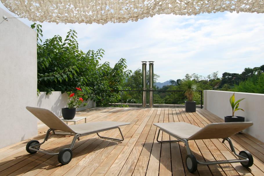une terrasse sur le toit. Black Bedroom Furniture Sets. Home Design Ideas