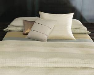 parure d 39 or. Black Bedroom Furniture Sets. Home Design Ideas