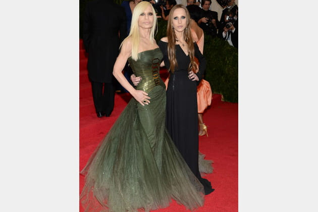Donatella et Allegra Versace Met Ball 2014