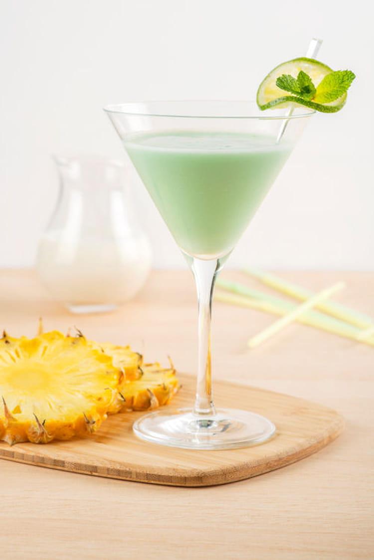 recette de cocktail sans alcool au lait de coco ananas et citron vert la recette facile. Black Bedroom Furniture Sets. Home Design Ideas