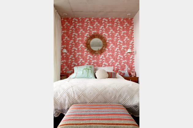 Une chambre d'adulte rose