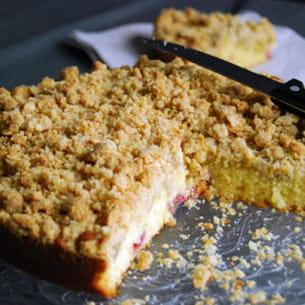 gâteau crumble fraises-rhubarbe