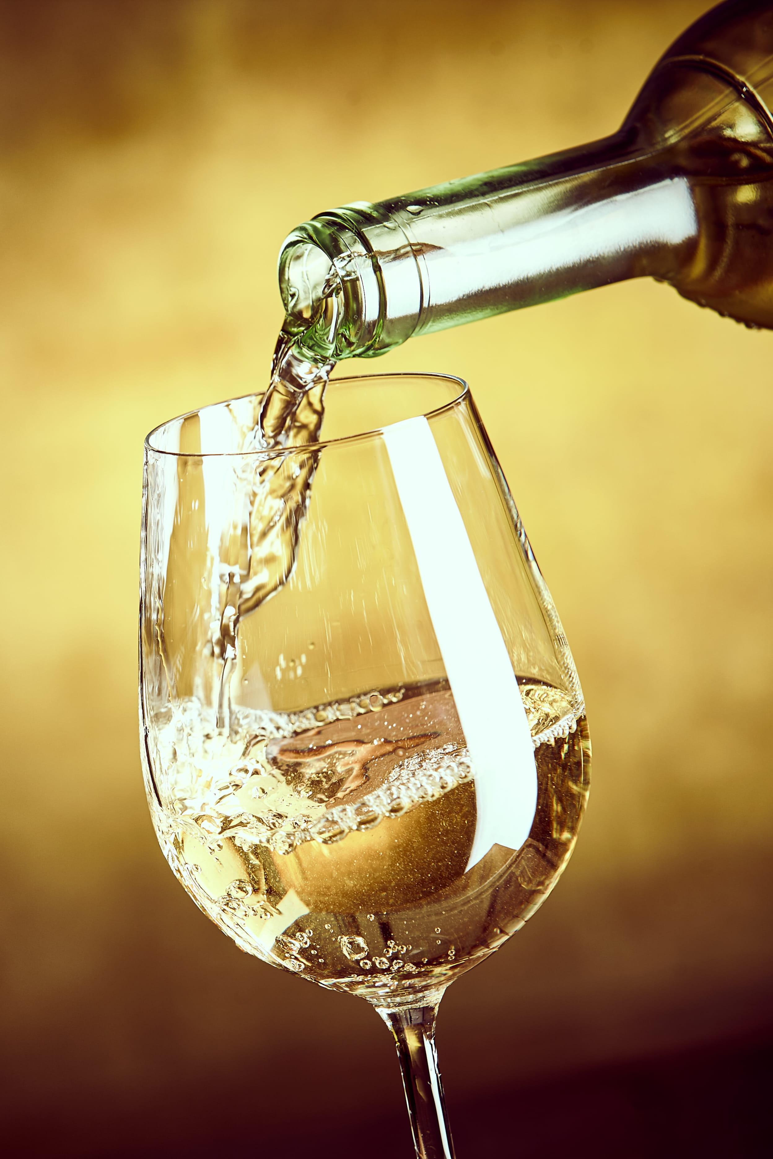 Un verre de vin blanc = 8 morceaux de sucre